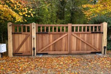 New wooden electric gates