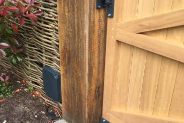 Wooden electric gate mechanism