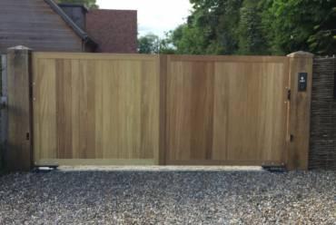 Wooden electric gates exterior