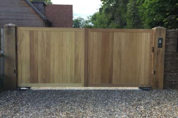 Wooden electric gates exterior