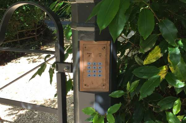 Electric gate entry keypad