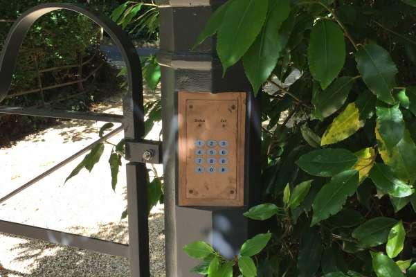 Electric gate entry keypad