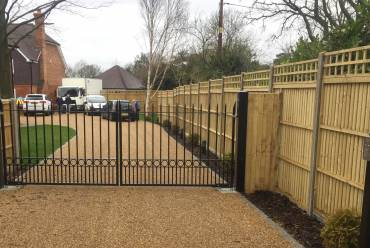 Metal electric gates and entry keypad