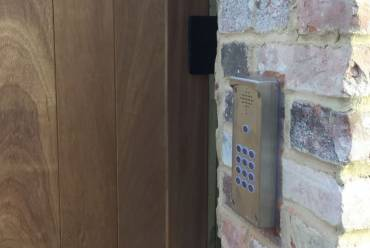 GSM Intercom for wooden sliding gate