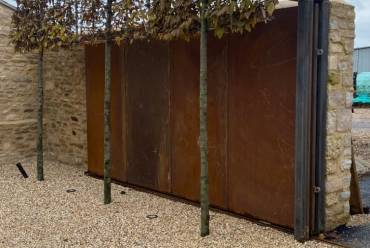 Contemporary sliding metal gates